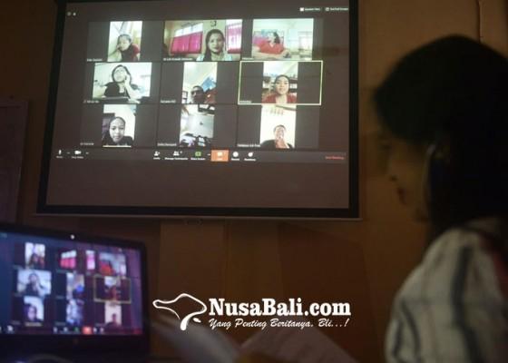 Nusabali.com - belajar-di-rumah-smk-pariwisata-dalung-gunakan-berbagai-aplikasi