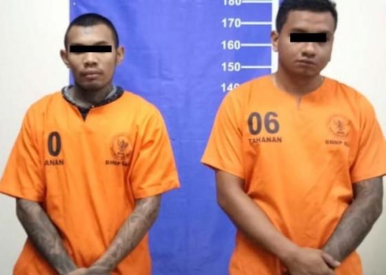 Nusabali.com - dua-residivis-ditangkap-saat-ambil-2-kg-ganja