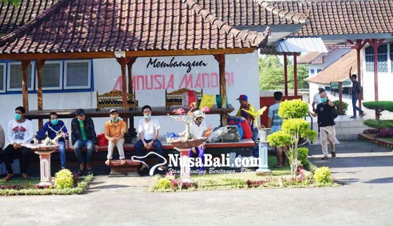 www.nusabali.com-39-napi-lapas-karangasem-dirumahkan