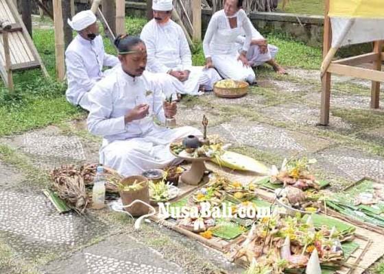 Nusabali.com - aci-di-kiduling-besakih-dihadiri-20-pamedek