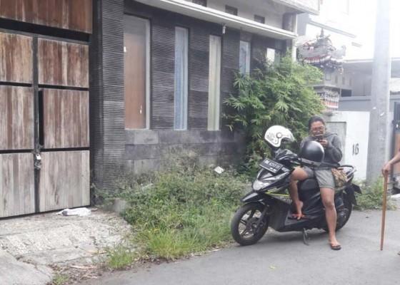 Nusabali.com - rumah-paranormal-eyang-ratih-dirusak