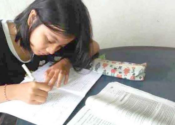 Nusabali.com - siswa-sma-pgri-amlapura-jawab-tts-online