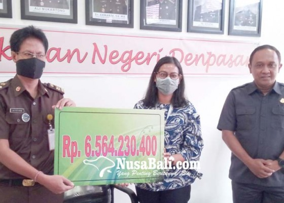 Nusabali.com - lelang-aset-koruptor-rp-65m-hasilnya-dikembalikan-ke-ap