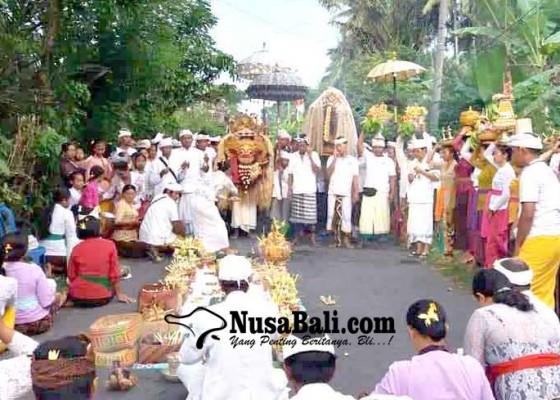 Nusabali.com - krama-banjar-pegubugan-nedunang-ida-bhatara-sakti