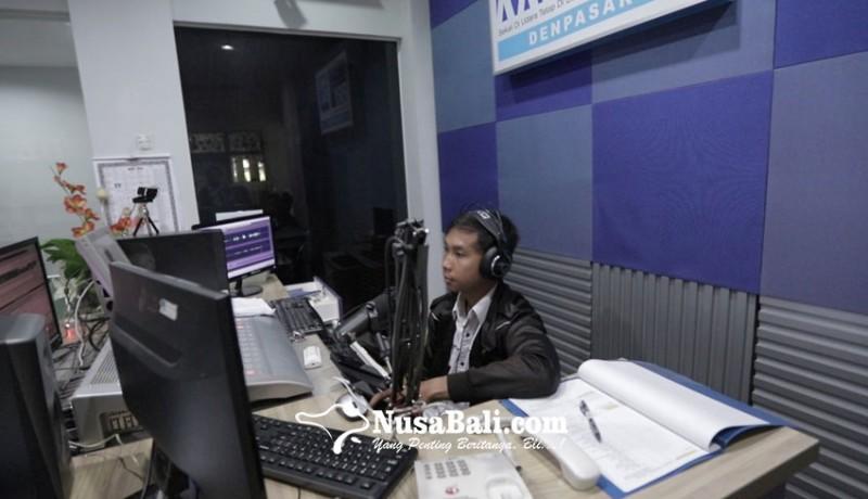 www.nusabali.com-belajar-di-rri-guru-mengajar-lewat-radio