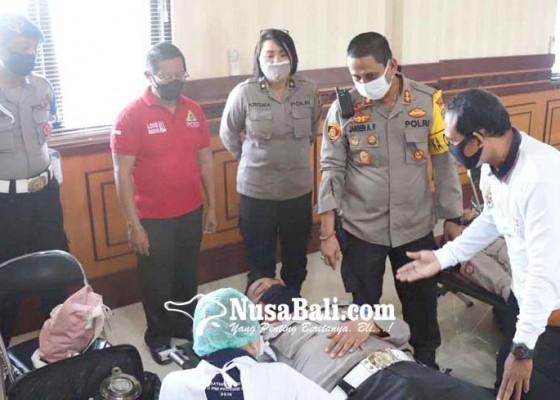Nusabali.com - 180-personel-polresta-donor-darah