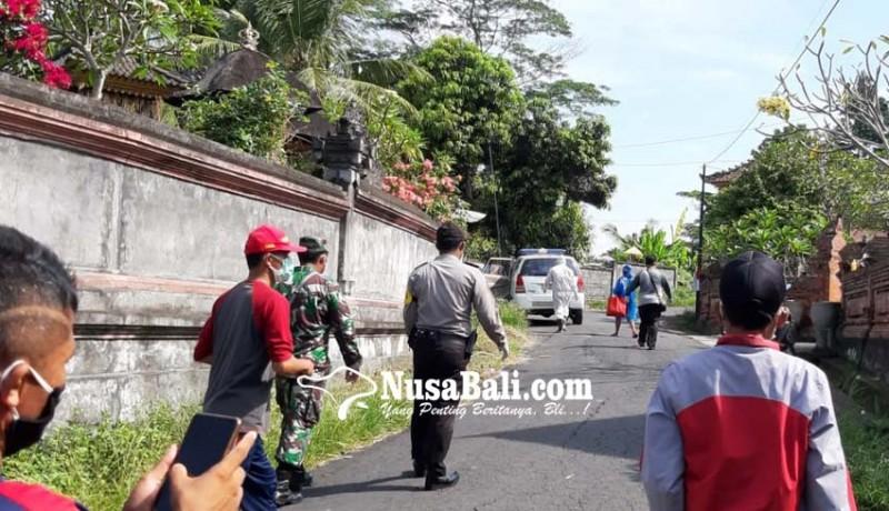 www.nusabali.com-positif-corona-tukang-suwun-dijemput-ke-rumahnya