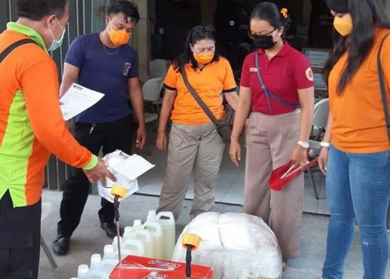 Nusabali.com - peduli-lawan-covid-19-stiki-serahkan-bantuan-kepada-tim-medis
