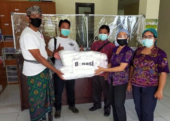 Nusabali.com - alumni-sma-negeri-2-amlapura-donasikan-apd