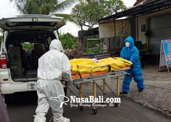 Nusabali.com - geger-mayat-misterius-petugas-evakuasi-pakai-apd-lengkap