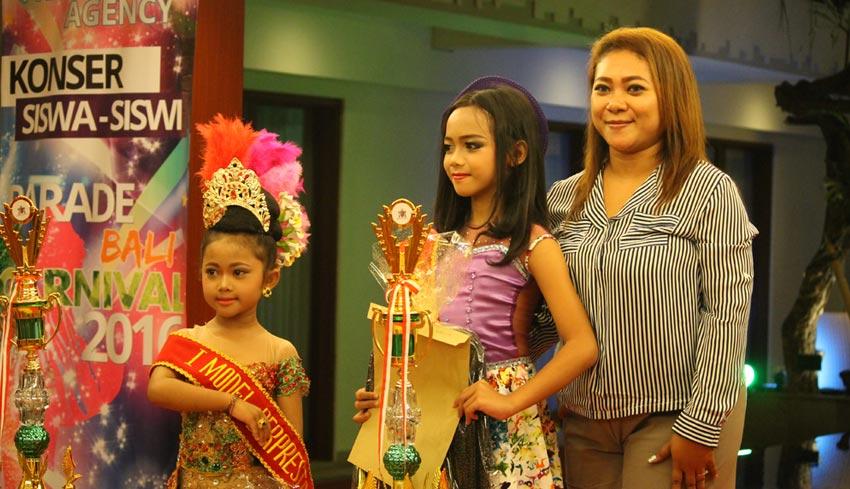 www.nusabali.com-latih-anak-tampil-percaya-diri-franky-agency-adakan-parade-karnival