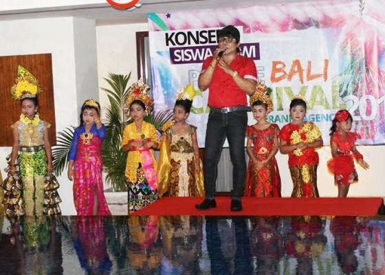 Nusabali.com - latih-anak-tampil-percaya-diri-franky-agency-adakan-parade-karnival
