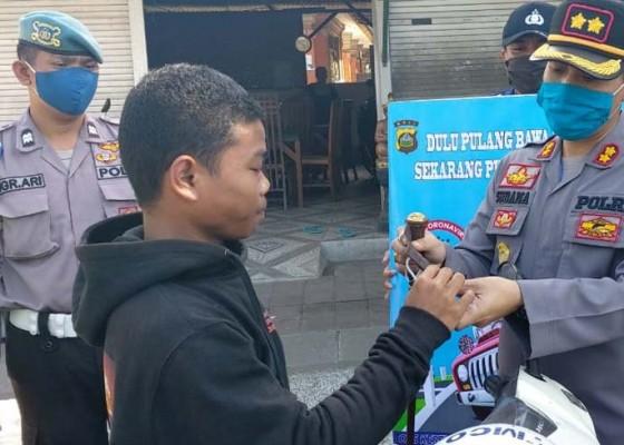 Nusabali.com - polres-klungkung-imbau-masyarakat-tak-mudik