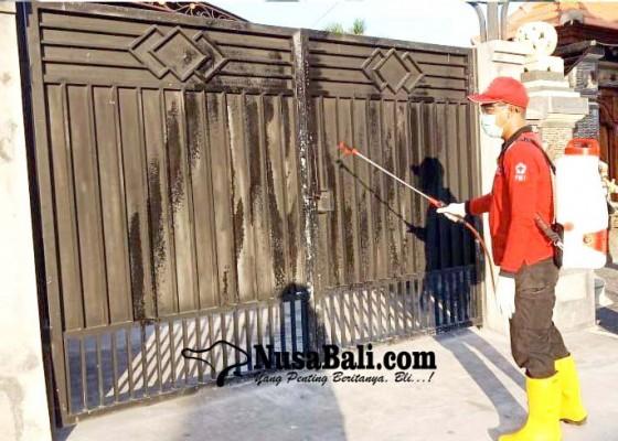 Nusabali.com - markas-pmi-gianyar-bantu-penyemprotan-disinfektan