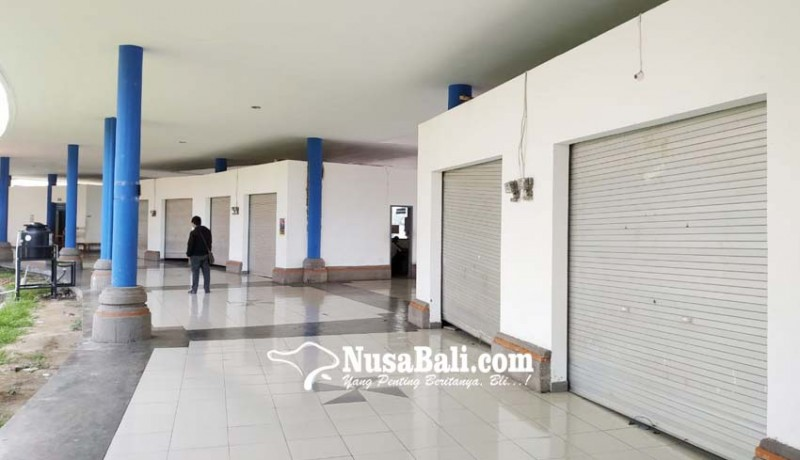 www.nusabali.com-sepi-penumpang-kios-pedagang-di-terminal-mengwi-tutup