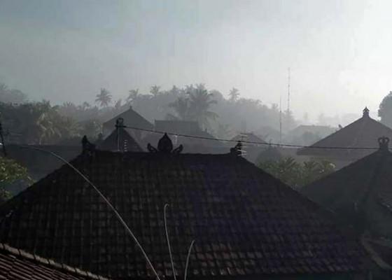 Nusabali.com - warga-kukuh-keluhkan-asap-tpa-mandung-ganggu-pernapasan