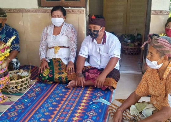 Nusabali.com - ritual-bawa-bantalalem-batal-mepegawe-tanpa-keluarga-predana