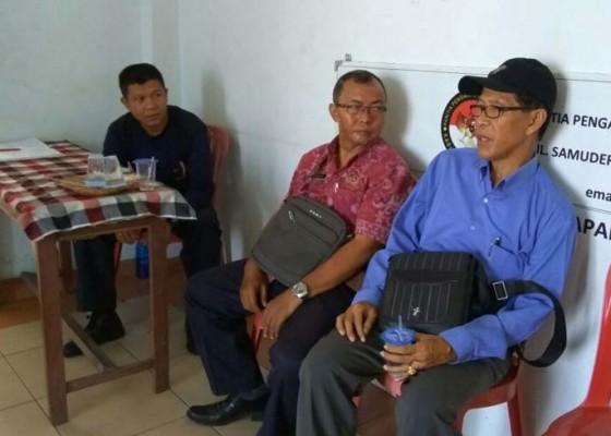 Nusabali.com - perbekel-bontihing-tunggu-vonis-panwas