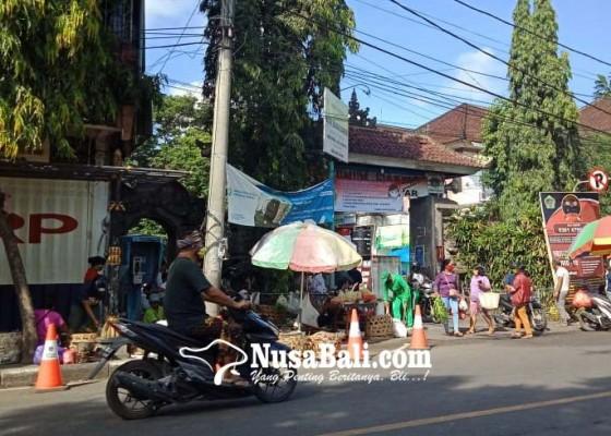 Nusabali.com - isolasi-tiga-hari-warga-luar-dilarang-masuk-nyuh-kuning-ubud