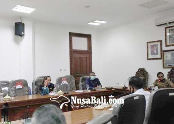 Nusabali.com - siapkan-500-paket-sembako-ke-tukang-suun