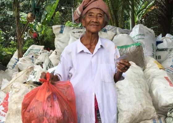 Nusabali.com - ditengah-pandemi-covid-19-sampah-plastik-bisa-ditukar-sembako