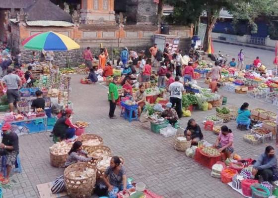 Nusabali.com - pasar-ubud-perketat-physical-distancing