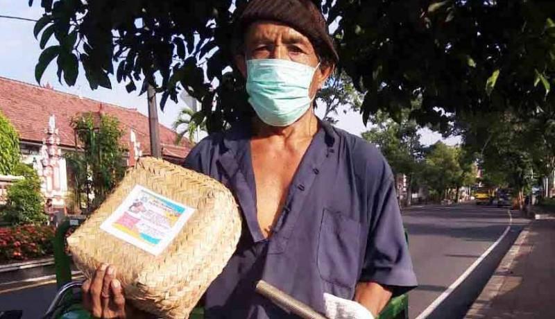 www.nusabali.com-warga-belanja-sembako-dengan-sampah-plastik