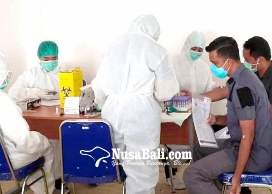 Nusabali.com - 461-petugas-imigrasi-jalani-rapid-test-bertahap