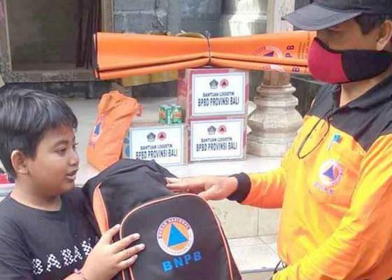 Nusabali.com - korban-kebakaran-dibantu-tas-sekolah
