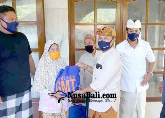 Nusabali.com - lansia-kurang-mampu-dapat-bantuan-sembako
