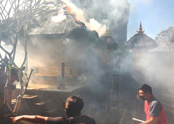 Nusabali.com - bakar-rumpun-bambu-piyasan-terbakar