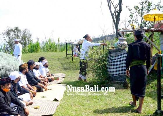Nusabali.com - prajuru-adat-rencanakan-pembangunan-pura-tunggul-besi