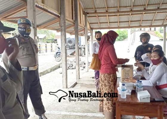 Nusabali.com - pengundian-pasar-relokasi-dijaga-polisi