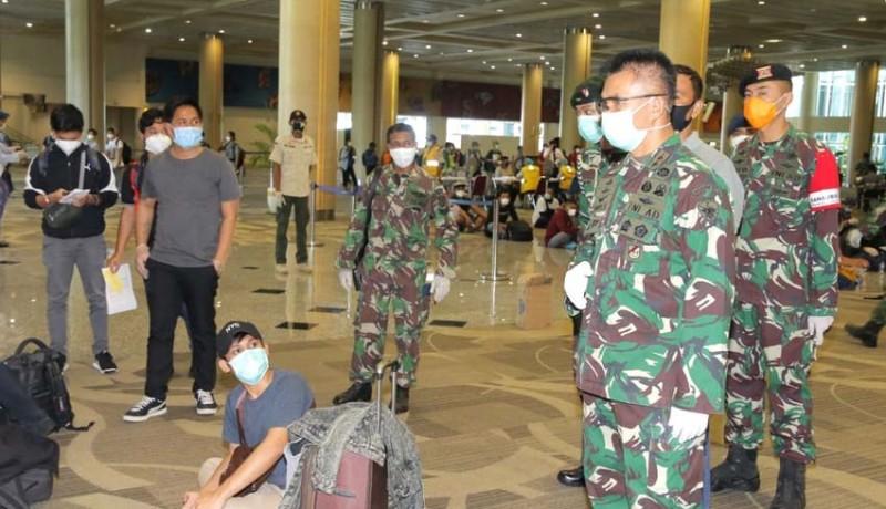 www.nusabali.com-pangdam-terjun-jemput-pmi-di-bandara-ngurah-rai