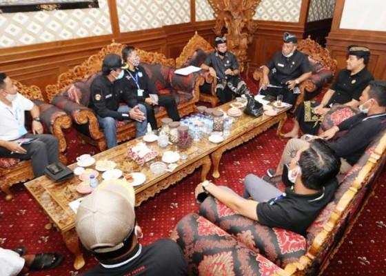 Nusabali.com - koordinasi-penanganan-covid-19-ketua-dewan-panggil-camat-se-badung