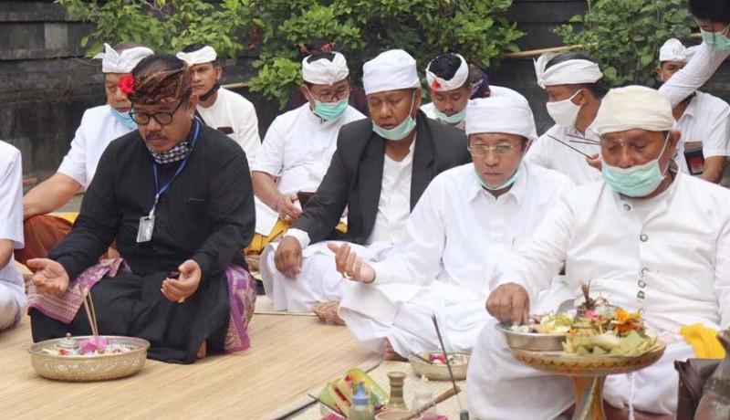 www.nusabali.com-dinkes-bali-lakukan-persembahyangan-bersama