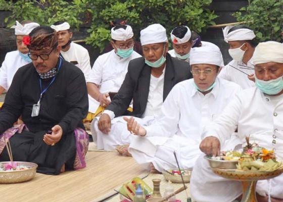Nusabali.com - dinkes-bali-lakukan-persembahyangan-bersama