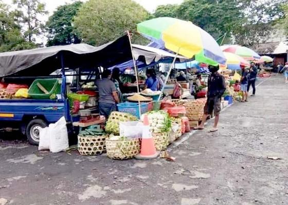Nusabali.com - ratusan-pedagang-bermobil-resmi-dipindah-ke-terminal