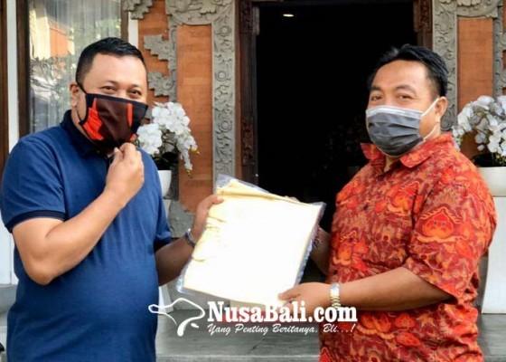 Nusabali.com - parta-serahkan-ratusan-apd-untuk-tenaga-medis