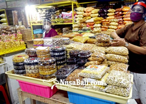 Nusabali.com - pedagang-di-pasar-tradisional-wajib-gunakan-face-shield