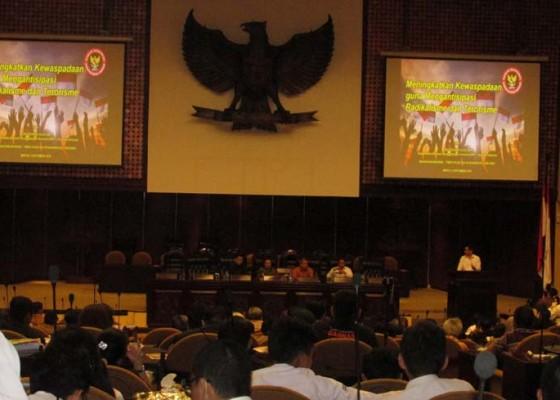 Nusabali.com - terorisme-cuci-otak-lewat-dunia-maya
