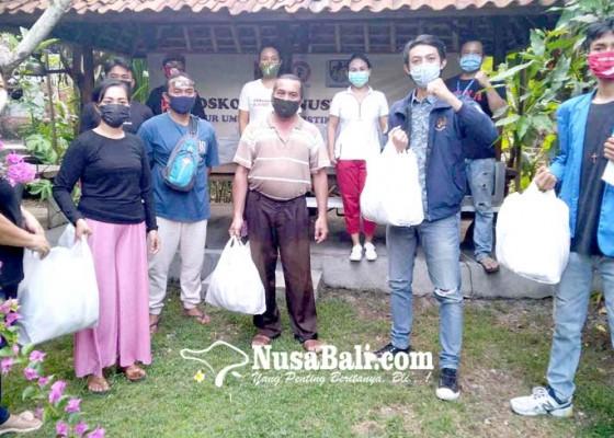 Nusabali.com - pospera-pena-98-dan-knpi-bali-buka-dapur-umum