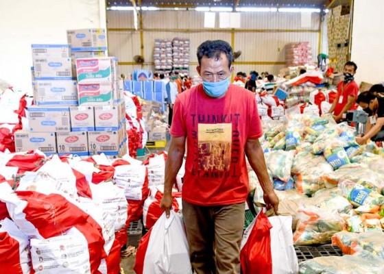 Nusabali.com - kepala-daerah-bagi-bansos-pdip-sebut-sudah-ada-aturannya
