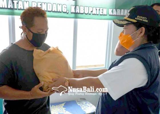 Nusabali.com - bupati-karangasem-cek-distribusi-sembako