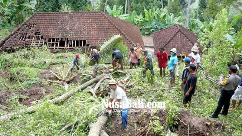 www.nusabali.com-diterjang-longsor-rumah-dihuni-tiga-kk-hancur