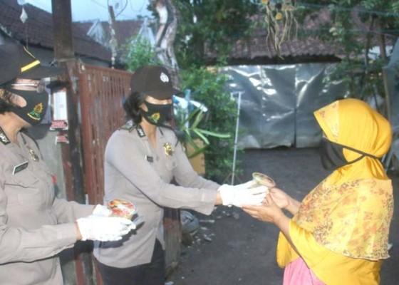 Nusabali.com - bhayangkari-hidupkan-dapur-umum