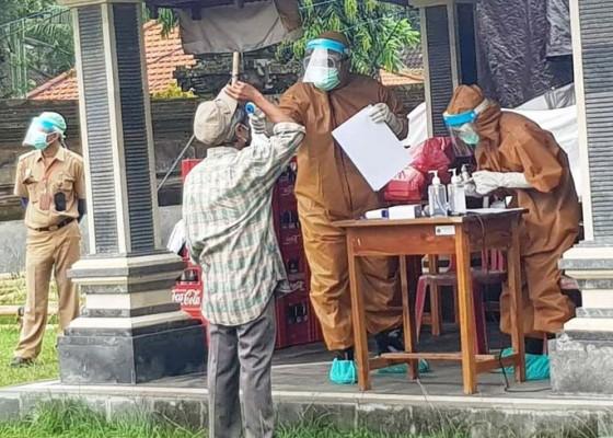 Nusabali.com - 313-warga-sayan-baleran-rapid-test-massal-12-reaktif