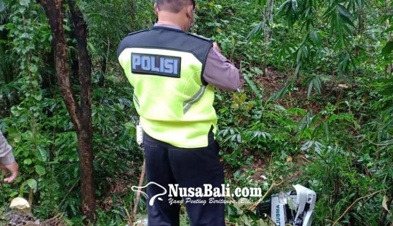 www.nusabali.com-ambulans-jenazah-terjun-ke-jurang-desa-madenan