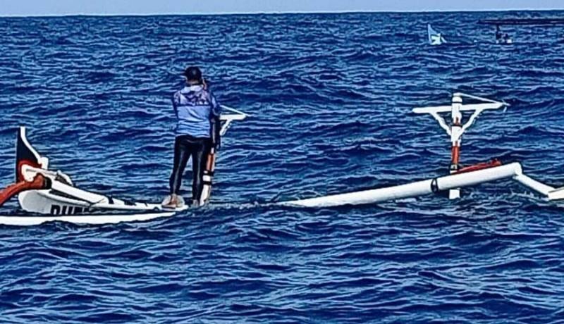 www.nusabali.com-perahu-nelayan-patah-dihantam-ombak