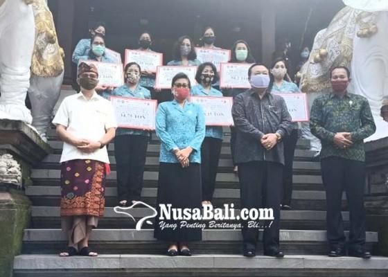 Nusabali.com - suastini-koster-ajak-krama-berinovasi-di-tengah-pandemi-covid-19